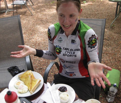 Bec up to her usual eating antics. What's wrong with eggs on toast AND two big scones for breakfast? I'm a cycle tourer right?!?