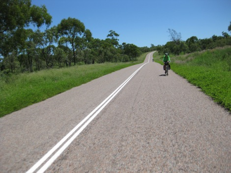Looking back on the road from Mingela to Ravenswood. It was a bit hot, but we had the lure of showers and pub food to keep us going.