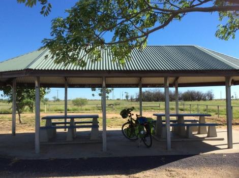 The Bicycle Pedlar - Maxwelton rest stop