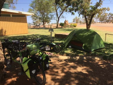 The Bicycle Pedlar - cycle touring Windorah
