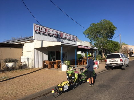The Bicycle Pedlar - cycle touring, Holden's Bakery